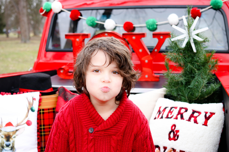 BecciHethcoatPhotography-Christmas Truck Photographer-Wheaton-10