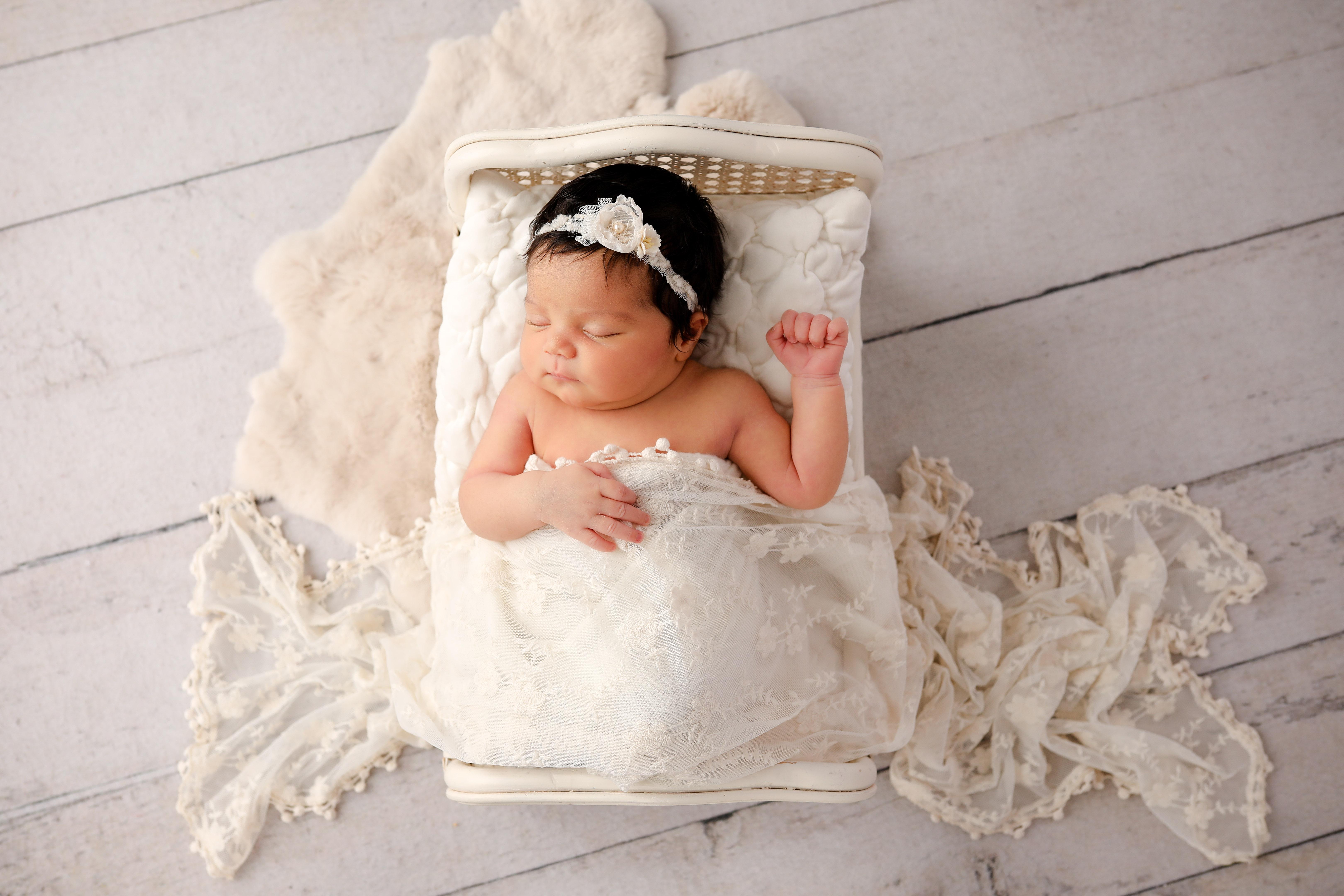Becci Hethcoat Photography- Newborn Photographer-Wheaton--35